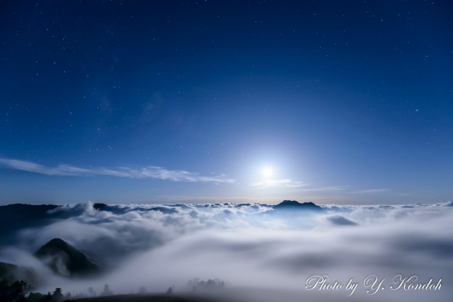 Sea of Clouds under a full moon-1